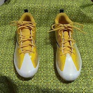 NIKE MENS VAPOR FOOTBALL CLEATS Size 11.5